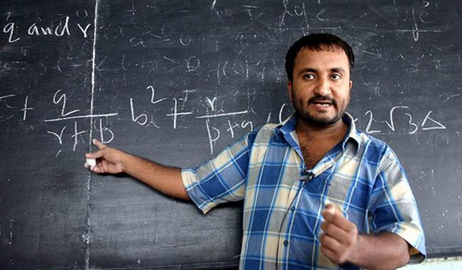 सुपर 30 के संस्थापक गणितज्ञ आनंद कुमार ने कहा, 'शिक्षकों का कोई विकल्प नहीं'