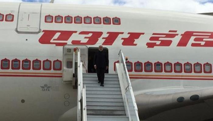 कैनबरा से मेलबर्न पहुंचे PM मोदी, MCG में टोनी एबोट करेंगे स्वागत समारोह की मेजबानी