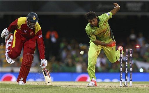 विश्व कप 2015: जिम्बाब्वे को 20 रन से हराकर पाकिस्तान ने चखा जीत का स्वाद