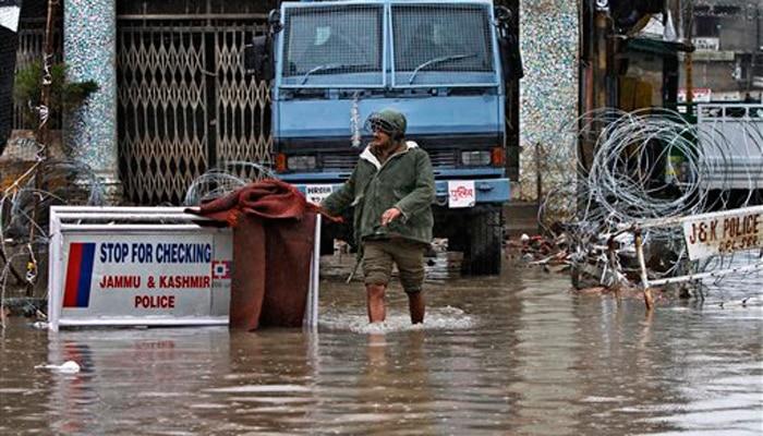 जम्मू-कश्मीर में लगातार बारिश से बाढ़ का बढ़ा खतरा, अलर्ट जारी