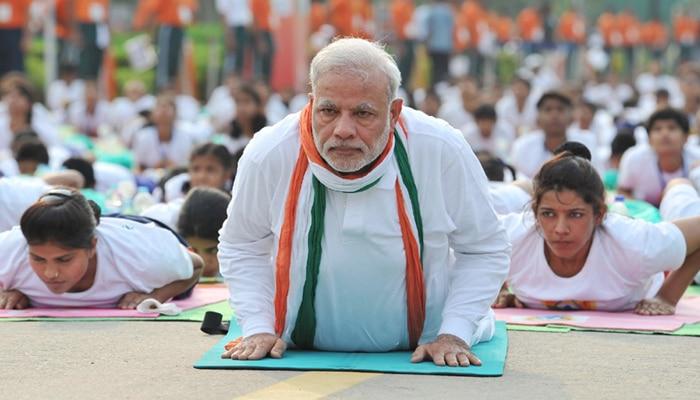 राजपथ बना 'योगपथ'; 35 हजार से ज्यादा लोगों ने किया योगाभ्यास, गिनीज बुक में दर्ज हुआ विश्व कीर्तिमान