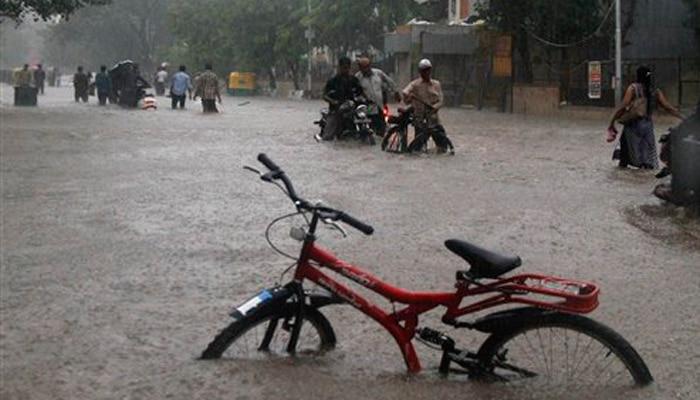 पूरे उत्तराखंड में जमकर बारिश, मालरोड पर जमा 600 टन मलबा, पढ़ें हर जगह का हाल