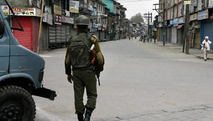 गोहत्या अफवाह: ट्रक खलासी की मौत के बाद जम्मू-कश्मीर में भड़के विरोध के मद्देनजर प्रतिबंध लागू, कई अलगाववादी नेता नजरबंद