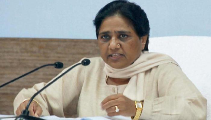 वीके सिंह को बर्खास्त कर जेल में डालें PM मोदी : मायावती