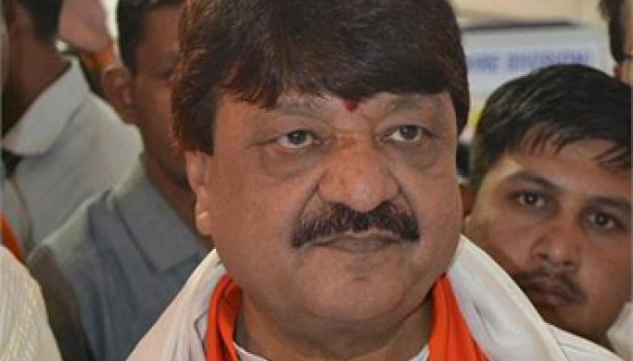 विजयवर्गीय का यू-टर्न, शाहरुख के खिलाफ किए ट्वीट वापस लिए