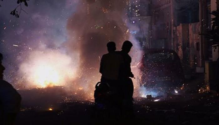 दिवाली पर जहरीली हुई दिल्ली की आबोहवा, 'खतरनाक स्तर' पर प्रदूषण