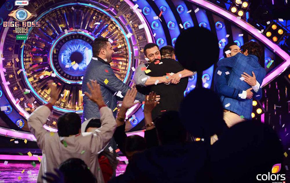सलमान खान ने जैसे ही बिग बॉस विजेता-9 के विजेता का नाम जैसे ही घोषित किया प्रिंस नरुला उछल पड़े।