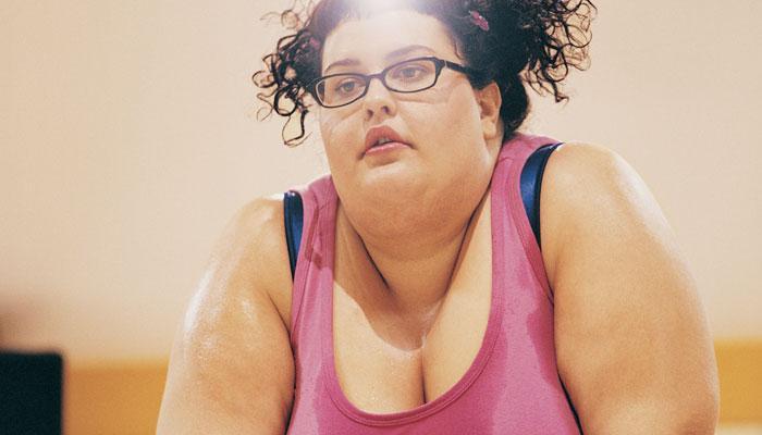 बौने पुरुषों और मोटी महिलाओं की आय होती है कम: रिसर्च
