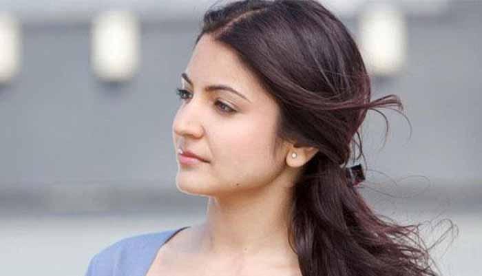इन दिनों बहुत 'बिजी' हैं अभिनेत्री अनुष्का शर्मा, तीन फिल्मों में एक साथ कर रही हैं काम