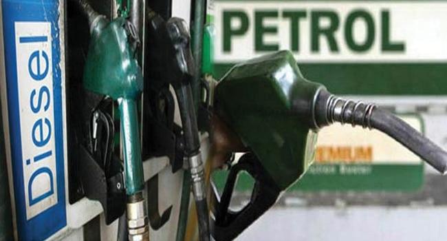 महंगाई की मार : पेट्रोल 1.06 रुपये और डीजल 2.94 रुपये प्रति लीटर महंगा