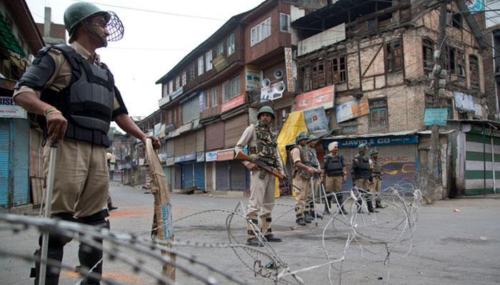 जम्मू-कश्मीर: प्रदर्शन-हड़ताल के चलते तनाव बरकरार, मोबाइल व इंटरनेट सेवा बंद