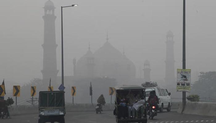 पाकिस्तानी मीडिया का अजीबो-गरीब दावा, कहा-भारत भेज रहा उसके यहां धुंध