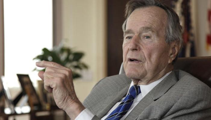 जॉर्ज बुश और उनकी पत्नी ने ट्रंप और हिलेरी में से किसी को वोट नहीं दिया