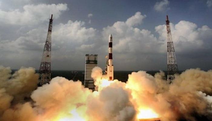 अंतरिक्ष में भारतीय मिशन की सबसे बड़ी कामयाबी : ISRO ने एक साथ रिकॉर्ड 104 सैटेलाइट का प्रक्षेपण कर रचा इतिहास