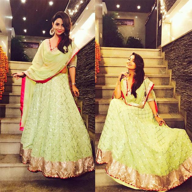 adaa khan :- Mehendi ki raat Outfit by @devnaagri