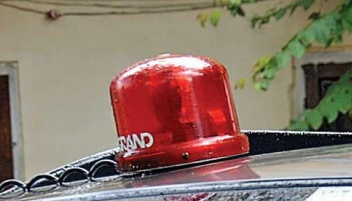 वीआईपी कल्चर पर मोदी सरकार ने चलाया हथौड़ा, 1 मई से लाल बत्ती खत्म