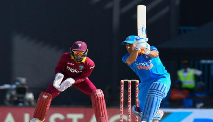 IND vs WI : गांगुली का ये रिकॉर्ड तोड़कर भी धोनी खुश नहीं, क्रिकेट प्रेमियों का भी टूटा दिल