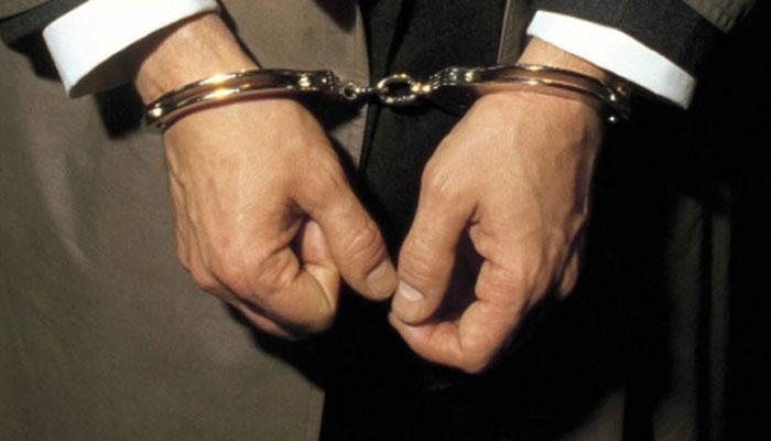 थाने में सहकर्मियों के साथ मारपीट और तोड़फोड़ करने के आरोप में दारोगा गिरफ्तार