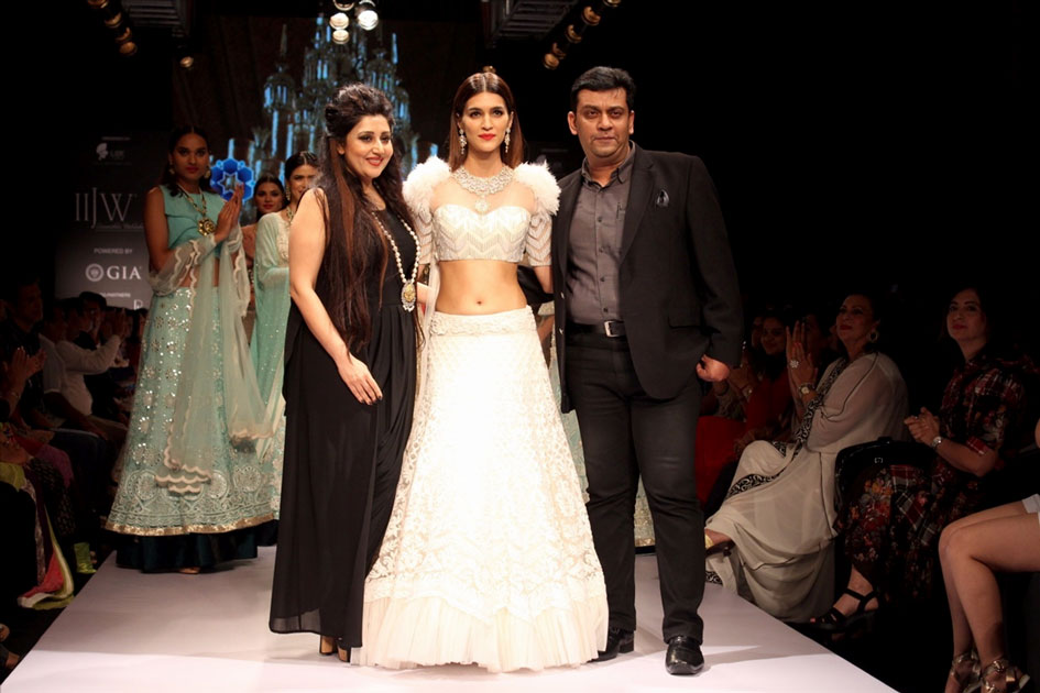 Actress Kriti Sanon along with designer Archana Kocchar during the 7th edition of India International Jewelry Week.
