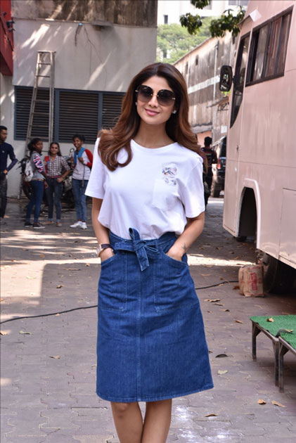 Actress Shilpa Shetty Kundra on the sets of live game show