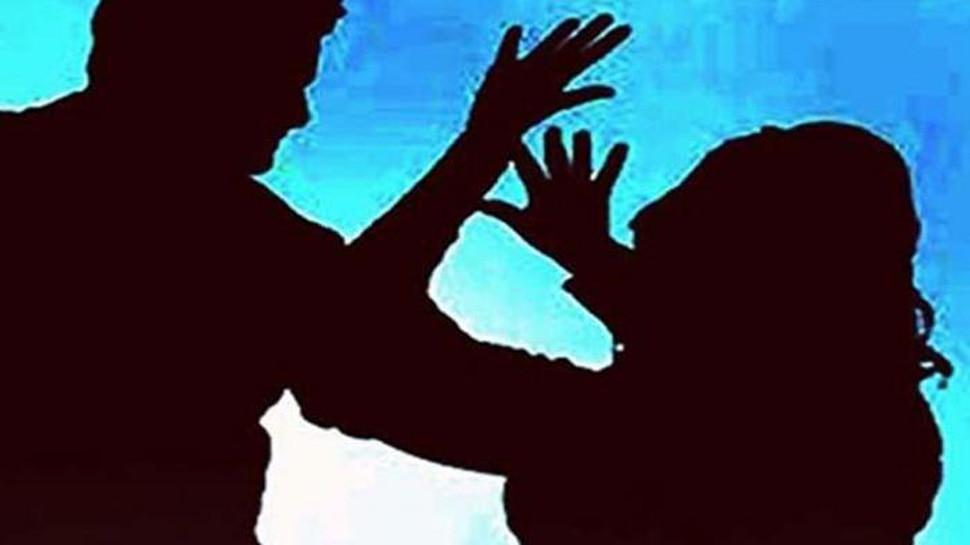 चेन्नई : लड़की से रेप कर नग्न तस्वीरें खीचीं, ब्लैकमेल किया और जबरन रुपये ऐंठे