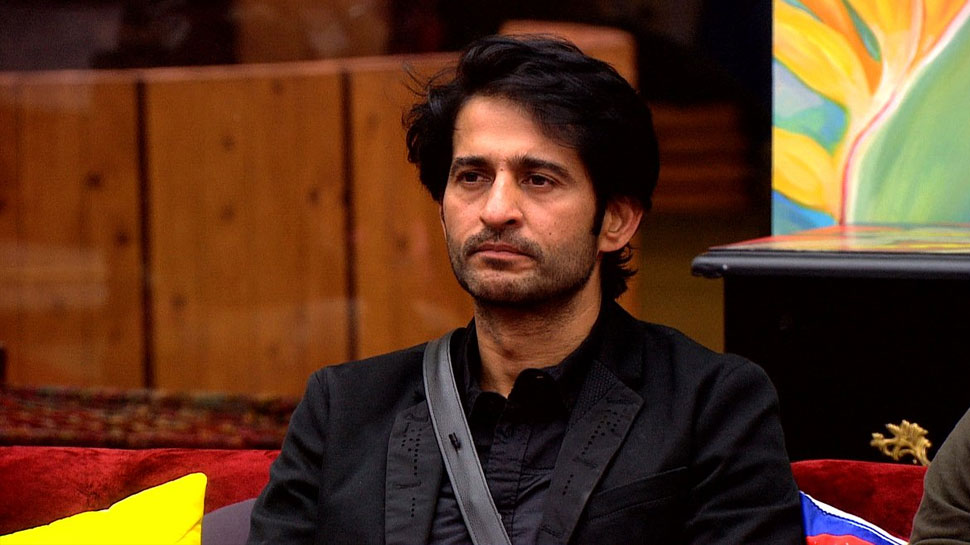 After bigg Boss Now Hiten Tejwani is on Vacation with wife Gauri pradhan