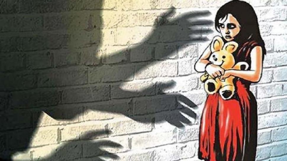 दिल्ली:  60 साल के शख्स ने किया 5 और 9 साल की बच्चियों से दुष्कर्म
