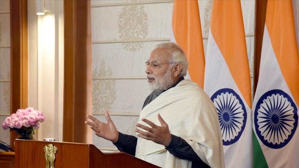 विज्ञान संबंधी संवाद में भारतीय भाषाओं का प्रयोग करें: मोदी ने वैज्ञानिकों से कहा