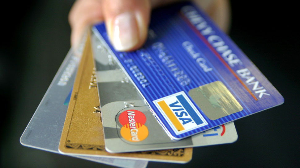 ATM कार्ड से जुड़ी ये जानकारी नहीं जानते होंगे आप, होता है 10 लाख का फायदा