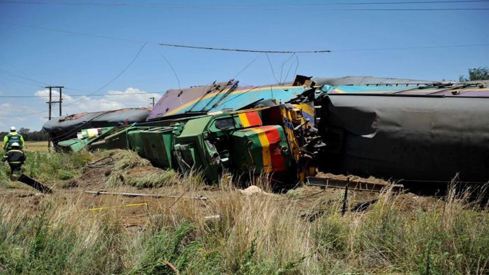 दक्षिण अफ्रीका में ट्रक से टकराई ट्रेन, 18 लोगों की मौत, 254 घायल