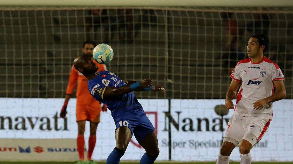 ISL-4: छेत्री के 2 गोल, मुंबई को हराकर बेंगलुरू टॉप पर