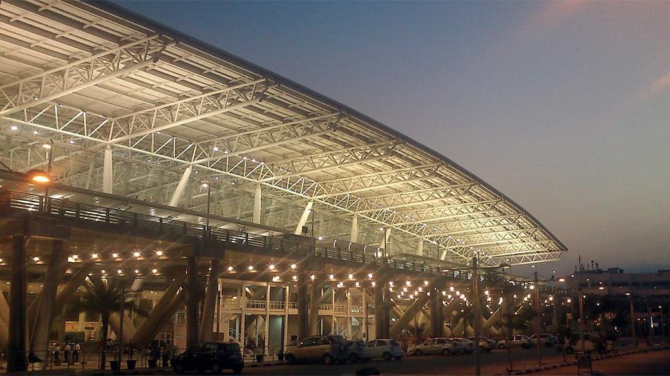 चेन्नई एयरपोर्ट पर हटाई गई तमिल में जानकारी, यात्रियों के हंगामे के बाद बदलना पड़ा डिस्प्ले