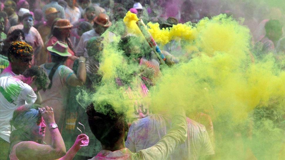 https://hindi.cdn.zeenews.com/hindi/sites/default/files/2018/03/02/209413-color.jpg