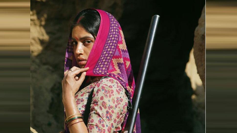 कंधे पर बंदूक और घूरती आंखें, 'Son Chiriya' में ऐसे लुक में दिखेंगी भूमि पेडनेकर