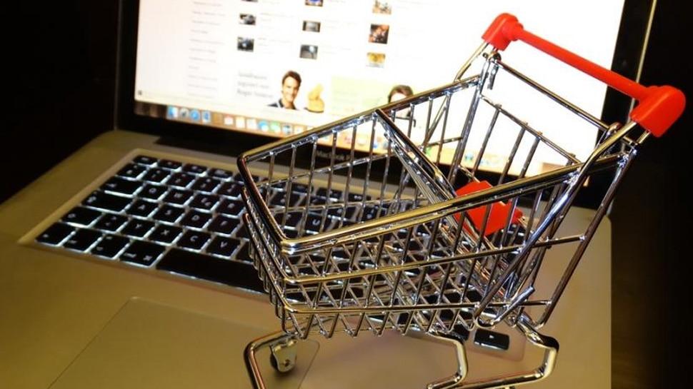 ऑनलाइन शॉपिंग में हर तीसरे ग्राहक को मिला नकली सामान, कंपनियों ने ऐसे ठगा