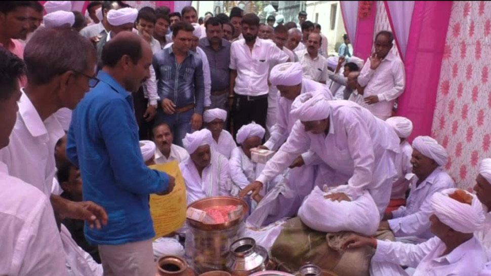 Amrut desai: Group wedding in gujarat