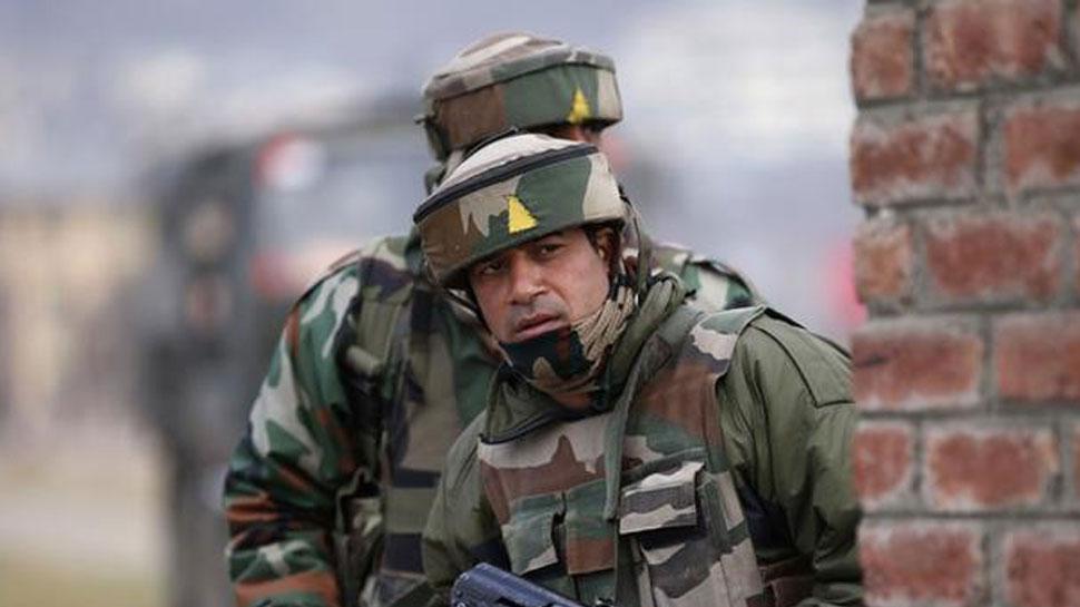 जम्मू कश्मीर : बारामूला में आतंकी हमला, 3 लोगों की मौत, सेना ने शुरू किया सर्च ऑपरेशन