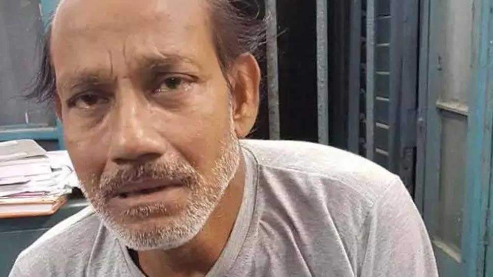 कोलकाता: बस में 'शर्मनाक' हरकत कर रहा था शख्स, महिला ने वीडियो बनाकर फेसबुक पर किया पोस्ट