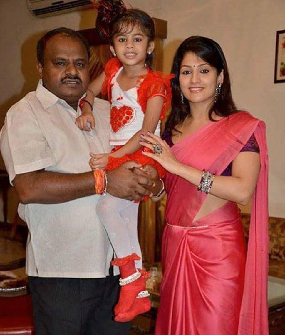 Kumarswamy wife Radhika kumarswamy controversy