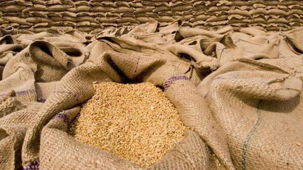 बिहार : औने-पौने दाम पर गेहूं बेचने को मजबूर हैं किसान