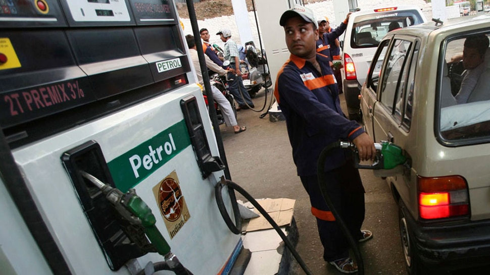 भारत में यहां सबसे महंगा है पेट्रोल, टूट गए पिछले सारे रिकॉर्ड, जानें आज का भाव?