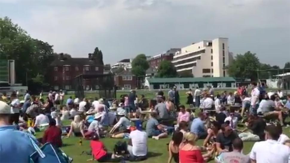 VIDEO : इंग्लैंड में भी चला IPL का जादू, लॉर्ड्स पर लोगों ने ऐसे लिया फाइनल का मजा