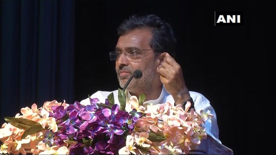 पीएम मोदी के वरिष्ठ कैबिनेट मंत्री बोले- 'कॉलेजियम सिस्टम हमारे लोकतंत्र पर एक धब्बा है'