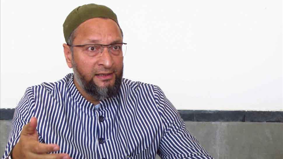 VIDEO : ओवैसी के भड़काऊ बोल, 'मुस्लिमों जिंदा रहना चाहते हो तो अपने उम्मीदवार को  वोट दो'