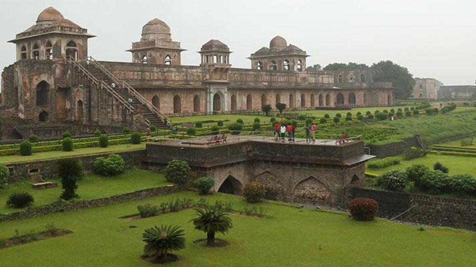मानसून ट्रैवल: मध्य प्रदेश की शान मांडू, यहां आज भी जिंदा है रानी रूपमती का प्यार