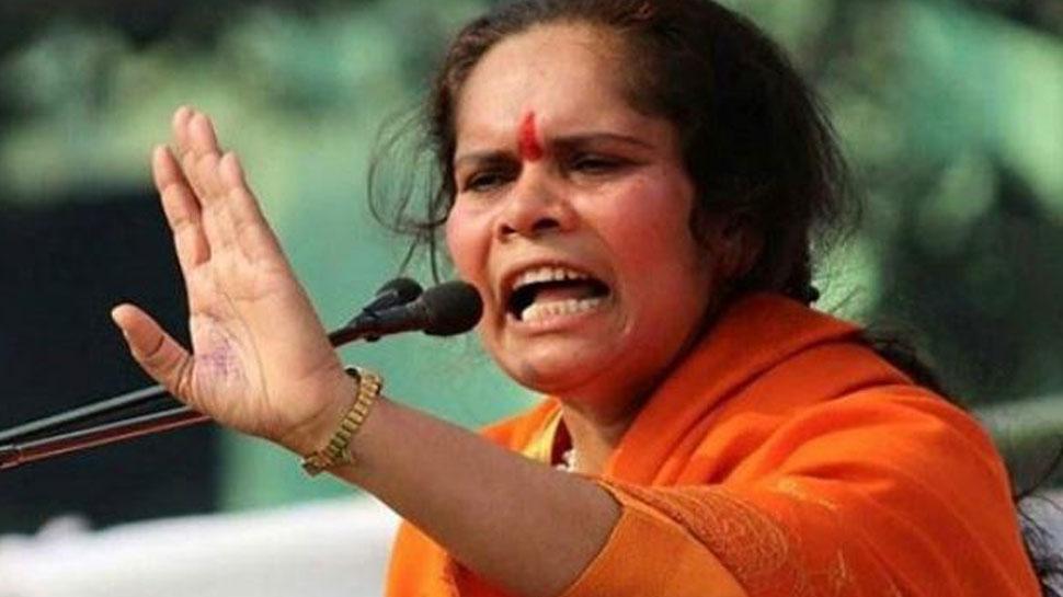साध्वी प्राची बोलीं, 'राहुल गांधी के कहने पर हो रही है देश को तोड़ने वाली बयानबाजी'