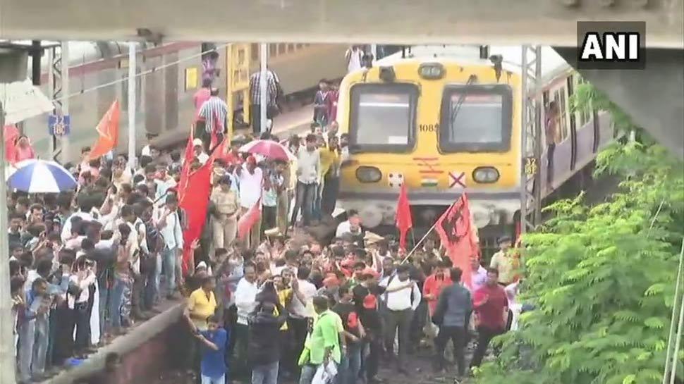 महाराष्ट्र: जब सरकार आरक्षण देने को तैयार है, फिर भी मराठा सड़कों पर क्यों उतर आए हैं?