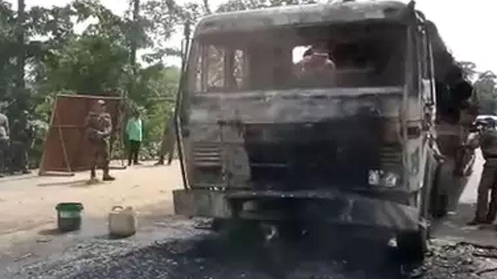 झारखंडः खूंटी में नक्सलियों का तांडव, ट्रक समेत ड्राइवर को जिंदा जलाया