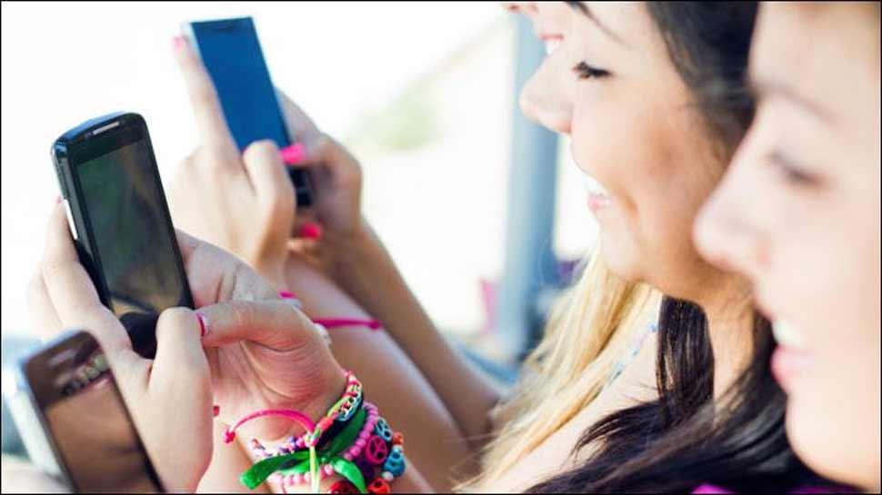 अगर आप मोबाइल फोन का अधिक यूज करते हैं तो हो जाएं चौकन्ने!