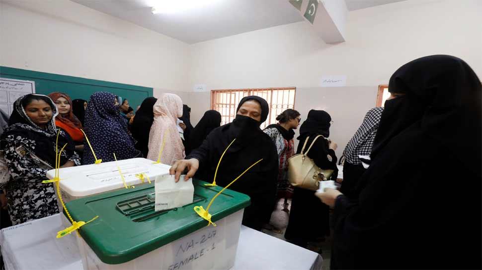 पाकिस्तान की राजनीतिक पार्टियों में मची होड़, जानिए क्या है वजह